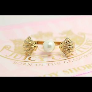 New Juicy Couture Shell & Pearl Double Ring
